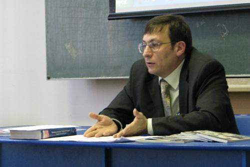 http://www.culturalnet.ru/files/nikiforova/11_Ryzkov.JPG